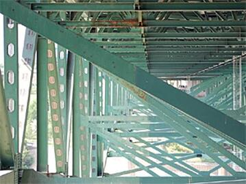 Minneapolis steel truss bridge underside